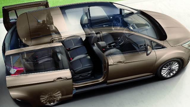 Интерьер Ford Grand C-Max
